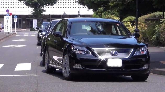 首相公用車.jpg